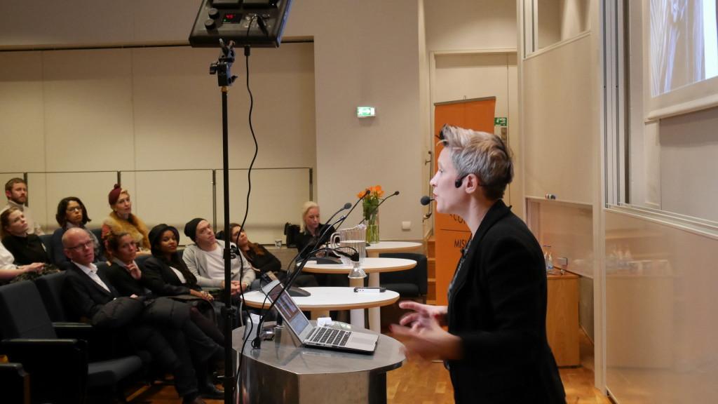 Hybrid Talks; Sustainability; Fast fashion; Environmental Impact
